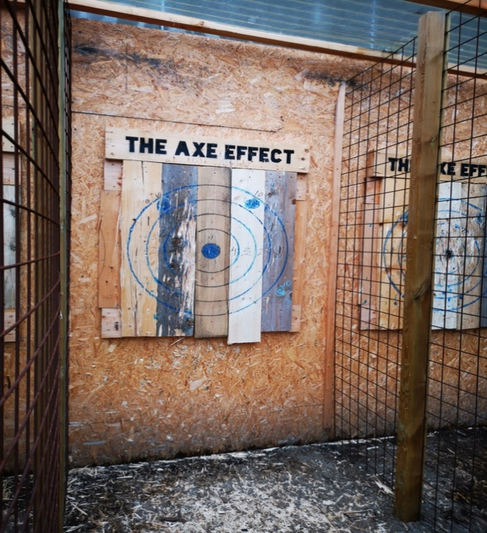 Axe Throwing Axe Effect
